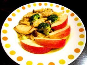 鶏肉のリンゴ・ヨーグルト煮込み クリスマスバージョン