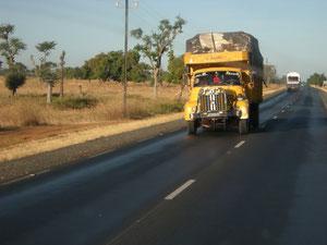 Des camions ultra-chargés