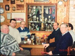 5.12.1998 in Bartholfelde auf Besuch Heinz Roloff (Vors. F 8), ich, Edgar Most (Vors. G 216), Hubert Lampe, unbekannt und K.H. Spillner (v. l. n. r.)