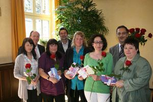 Die Mitarbeiter des Frauenhauses bekamen eine Danksagung für ihre geleistete Arbeit