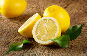 Olivenöl mit Zitrone, Orangen oder Knoblauch