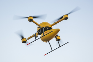 The parcelcopter can fly up to 18 m per second  /  source pictures: DHL