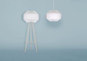 Stehleuchte und Pendelleuchte Lumia mit weissem Wellkarton, Textilkabel und Fuss aus Birkenholz