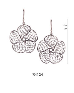 E4124 OXI 55, GP 65: OXI HANGING EARRING LARGE FILIGREE FLOWER.