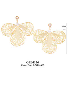 GPE3134 GP 240, OXI 210:  GP CREAM PEARL POST EARRING, WHITE CZ IN CUP BELOW POST, 3 FILIGREE TEARDROP.