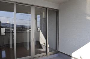 2階のエントランスも開口を大きくとることが可能です。