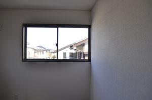 2階からは住宅街の街並みを望むことができます。