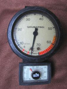 SCUBAPRO + Thermometre sur le bracelet