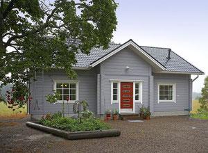 Kuusamo Holzhaus in Blockbauweise auf zwei Ebenen