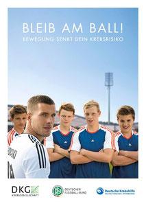 "Motiv 2 - Kampagne 2013/14 ""Bleib am Ball - Bewegung senkt Dein Krebsrisiko"""