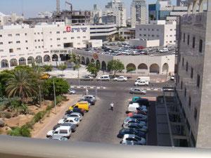 Vue du balcon, centre d'achats