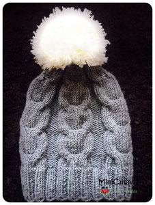 Mütze Grau Pompon