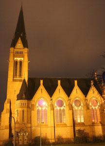 Beleuchtet: Kirche zum Guten Hirten, Friedrich-Wilhelms-Platz Friedenau. Foto: Helga Karl 31.12.2014