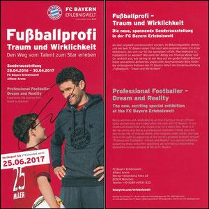 Bayern Erlebniswelt, 2017, 'Fußballprofi, Traum und Wirklichkeit', Verlängerungsflyer, signiert Müller im Nov. 2018