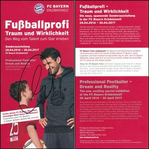 Bayern Erlebniswelt, 2016, 'Fußballprofi, Traum und Wirklichkeit', Flyer 'Erlebe den FC Bayern...', erste Variante, signiert Müller im März 2019