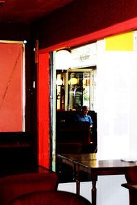 Cafészenen Pyrenäen, copyright Nathalie Arun