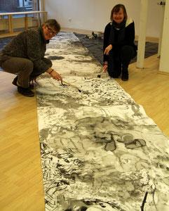 copyright erdengoldKUNSTwerk Nathalie Arun, Cornelia Kalkhoff 2015, creation and recreation, 20 m lange Tuschebahnen