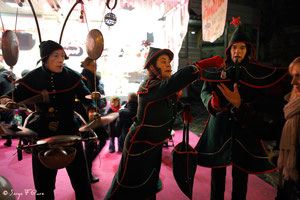 Madame et Monsieur Sapin (Compagnie SDF) - Marché de Noël sur le parvis de la Cathédrale - Rouen - France - Décembre 2011