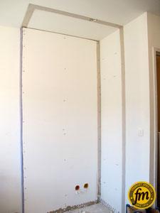 Vissage des plaques côté chambre