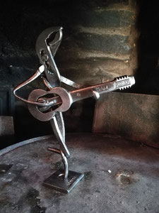 Guitare dansante - 450 €