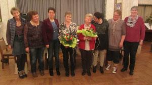 Lena Eilers gibt ihr Amt als Vertrauensfrau an Anke Bödecker ab