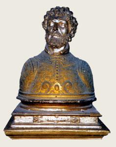 """Busto-reliquiario di S. Primiano, custodito nella """"Cappella del Tesoro"""" [da Mammarella, Larino sacra..., San Severo 2000; foto Zurolo]"""
