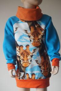 Voor: Sweater Giraffe, maat 122/128 op voorraad