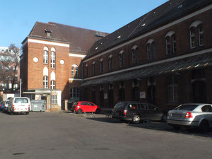 Logenstraße, Hof des alten Fabrikgebäudes mit Büros