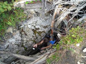 Nähe Pleisenhütte, Höhle, in der vor einigen Jahren das Skelett eines Mummuts gefunden wurde