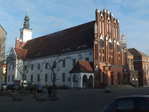 Altes Rathaus (nach dem Krieg wiederaufgebaut)