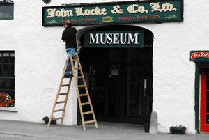 Entrée de la distillerie Locke à Kilbeggan