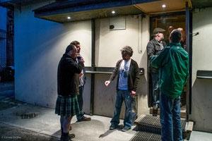 Irlande, Pub, pause cigarettes à Dundalk