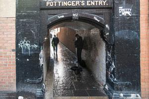 Irlande du Nord, Belfast, Passage étroit