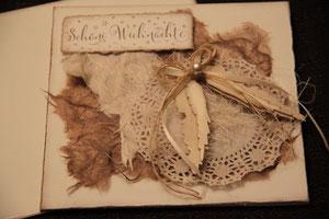 """weihnachtskarte """"schöni wiehnacht"""", format 15,5 x 15,5 cm, weiss mit engelsflügel und perle, mit innenblatt und passendem couvert, fr. 11.50"""