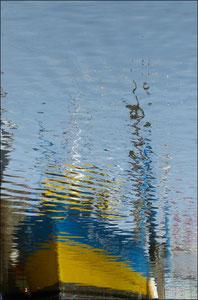 Bateau-bleu-et-jaune---P1090112