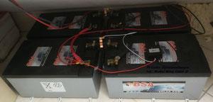 PV-Lieder Eigenstromlösungen, BSA Gel Batteriespeicher 24V 460Ah angeschlossen an PV-Anlage 3 Steca Laderegler mit Letrika Wechselrichter