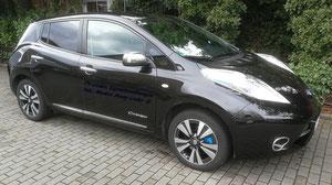 PV-Lieder Eigenstromlösungen Nissan Leaf Tekkna 30kW, Bremssattel blau lackiert, Dachantenne kurz, Lichtoptik optimiert innen und aussen