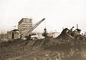 Erdarbeiten zum Werksvorplatz im Chemiepark Marl - 1956