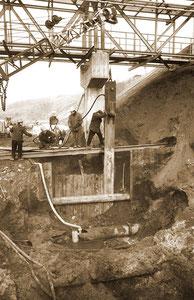 Reparaturarbeiten für eine Fernwasserleitung - Januar 1971