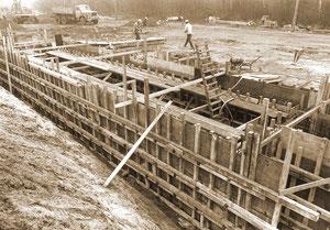 Verbauarbeiten für eine Baugrube - März 1978