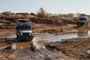Querung des Oued Rheris