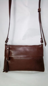 maroquinerie française,  luxe,  sac haut de gamme, made in France, sac fait main, sac besace cuir made in France, ml-sellier