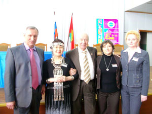 Слева направо: Кузовлев В.П., Емельянова А.Н., Пассов Е. И., Нефедова Ю.М., Григорьева М. А.