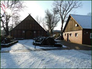 Schützenhaus (links das Heimathaus