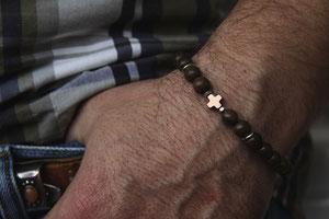 'CROSS OVER'  Armband