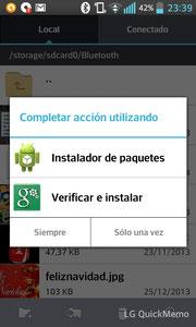 """Al abrir el archivo puede que te pregunte con qué aplicación quieres instalar la nueva app. Tu elección es indiferente. Nosotros lo haremos con """"Instalador de paquetes"""""""