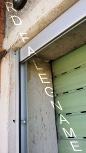 Zanzariera a Molla su Misura per la Porta-Finestra (Guida Superiore)