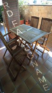 Montaggio del Tavolo con le 4 Sedie