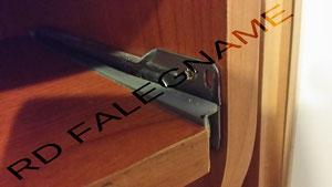 Guida in metallo estraibile con legno come mensola di appoggio