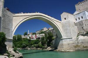 Croatie, pont de Mostar, reconstruit après la guerre de Bosnie en 92-95